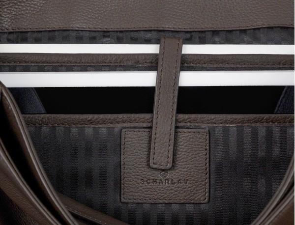 maletín de cuero con solapa color marrón ordenador y tablet