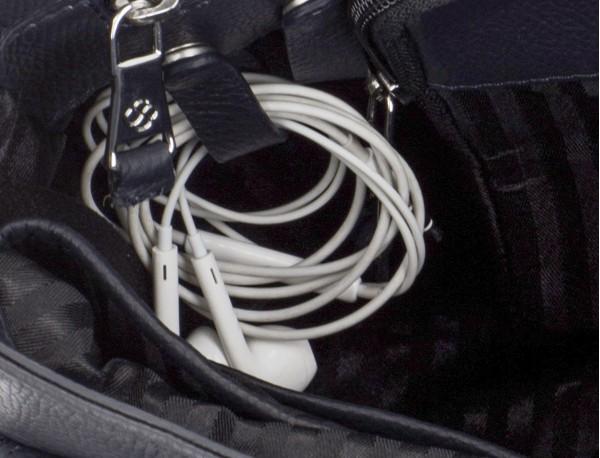 maletín de cuero con solapa color azul cables
