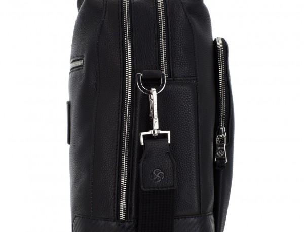 maletín de viaje de piel en color negro detalle