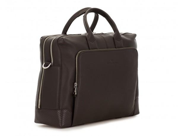 maletín de viaje de piel en color marrón lado