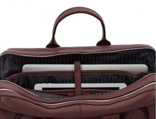 maletín de viaje de piel en color burdeos ordenador