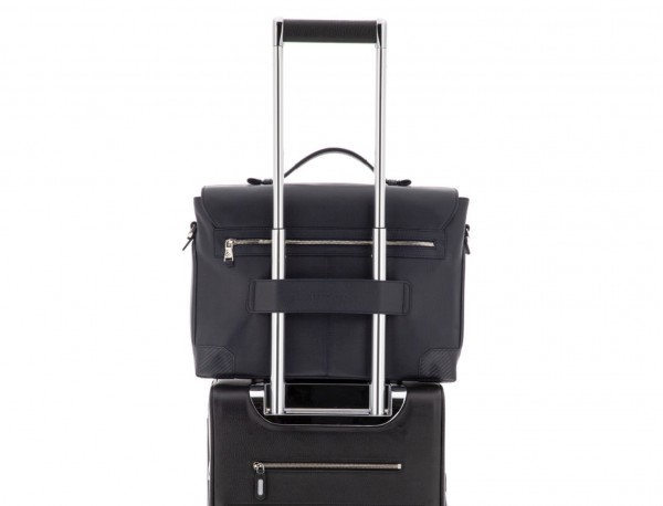 maletín de cuero con solapa azul trolley
