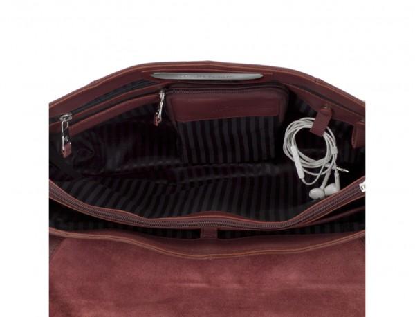 maletín de cuero con solapa burdeos dentro