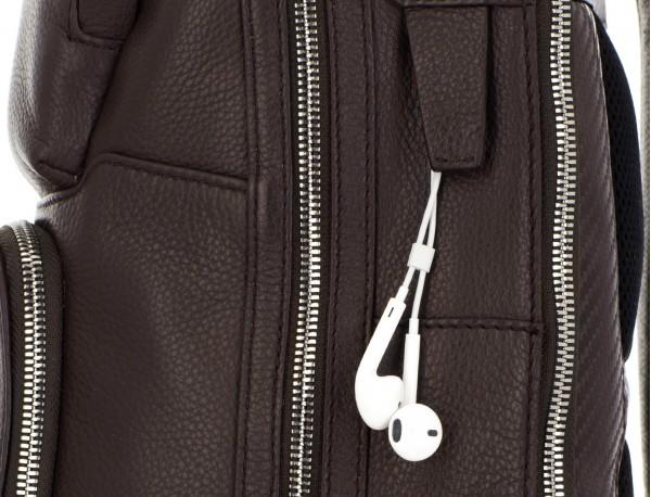 mochila de piel marrón cremalleras