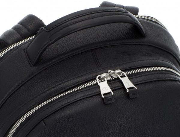 mochila de cuero negra asa