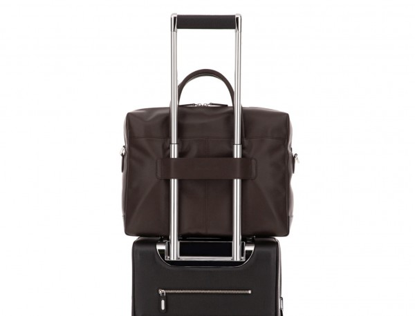 maletín grande de piel marrón trolley