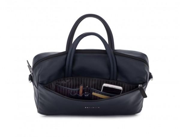 maletín grande de piel azul abierto
