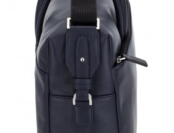 maletín grande de piel azul lado