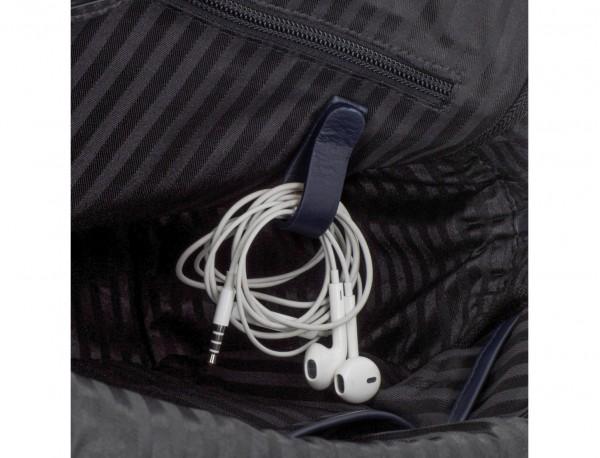 maletín grande de piel azul cables