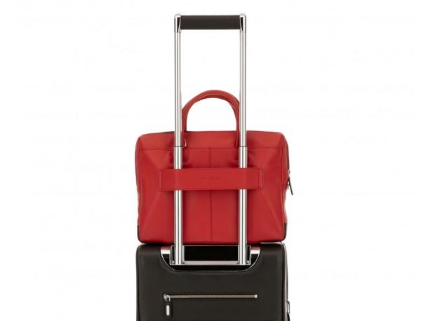 portadocumentos pequeño de piel rojo trolley