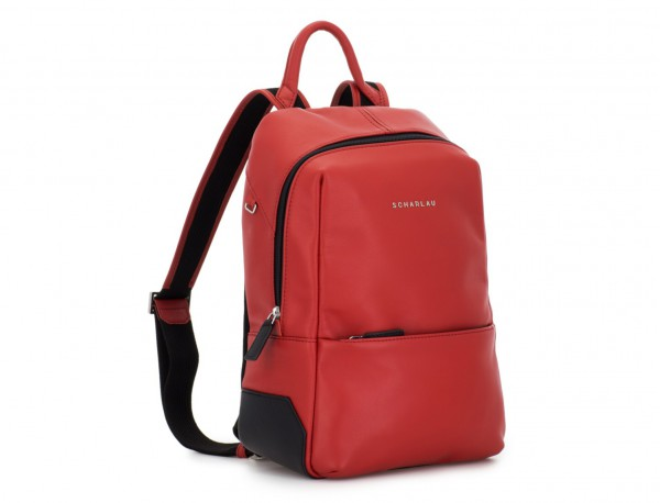 mochila pequeña de piel roja lado