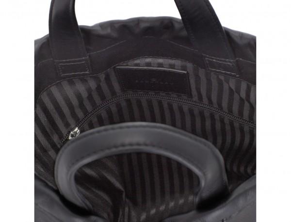mochila plana de piel negra logo