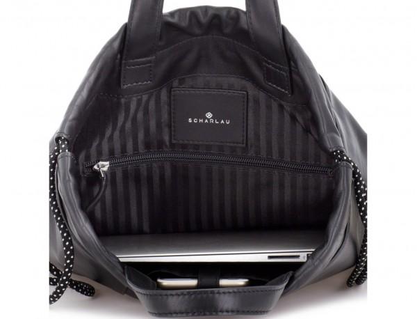 mochila plana de piel negra ordenador