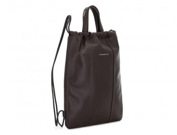 mochila plana de piel marrón lateral