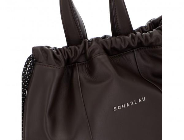 mochila plana de piel marrón cierre