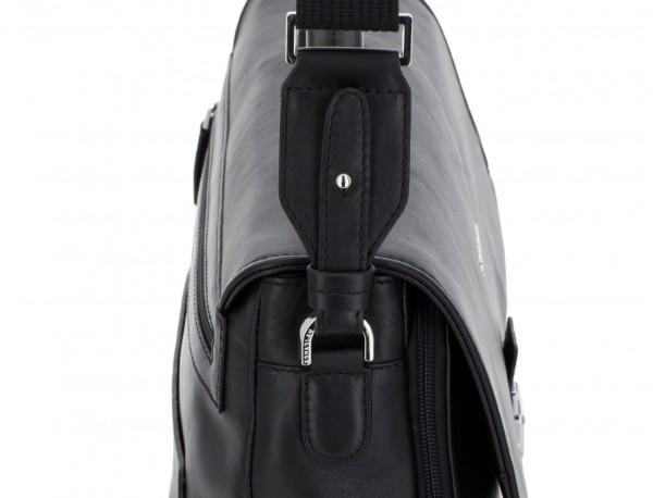 maletín con solapa de cuero negro bandolera
