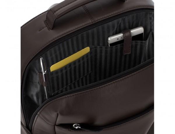 mochila de cuero para portátil marrón interior