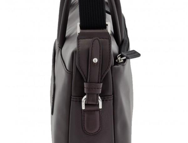 maletín de piel marrón bandolera