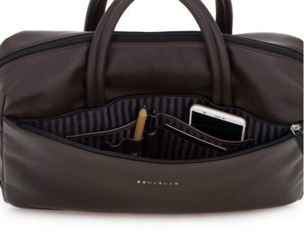 maletín de piel marrón interior