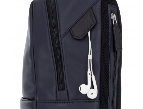 Piccolo zaino in pelle blu zipper