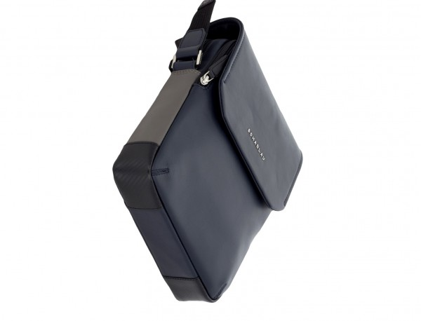 bolso bandolera de con solapa azul base