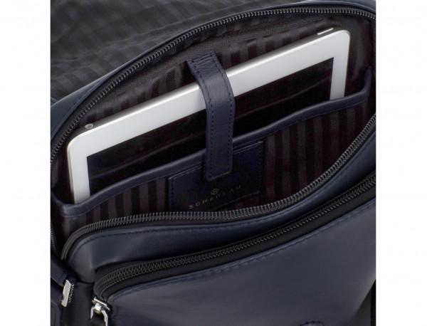 bolso bandolera de con solapa azul tablet