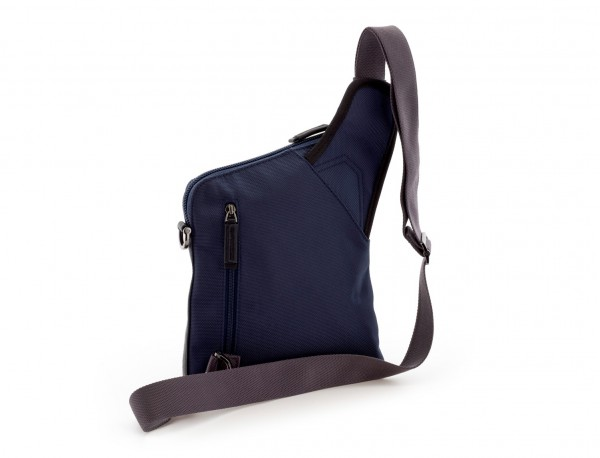 bolso bandolera de hombre azul detrás