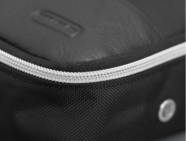 bolsa multiuso mediana con cremallera de nylon balístico Cordura® detalle piel