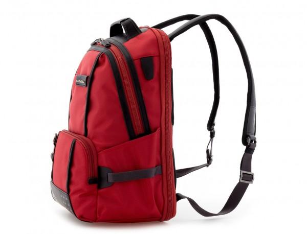 mochila de nylon roja  lado