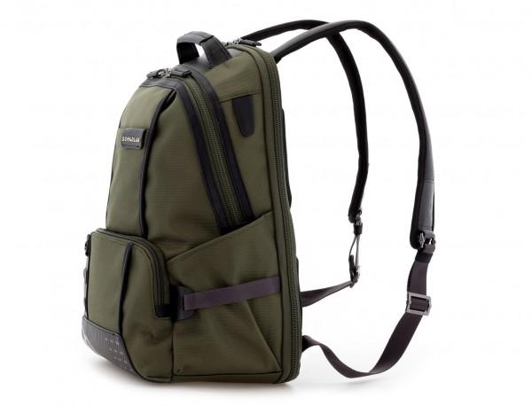 mochila de nylon verde lado