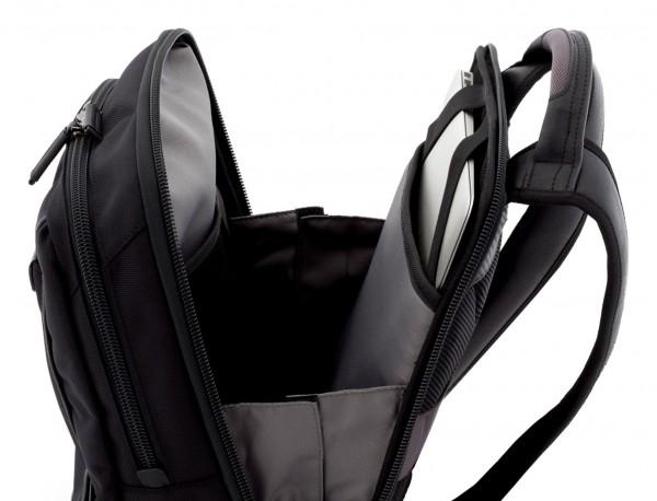 mochila para ordenador negra detalle