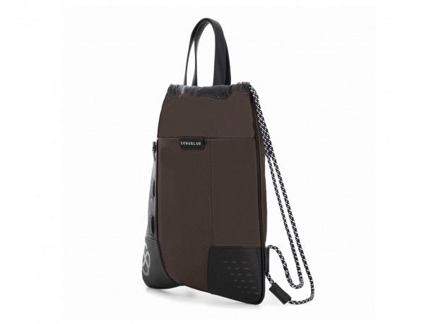 mochila marrón lateral