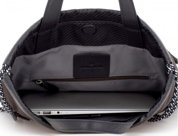 mochila marrón ordenador
