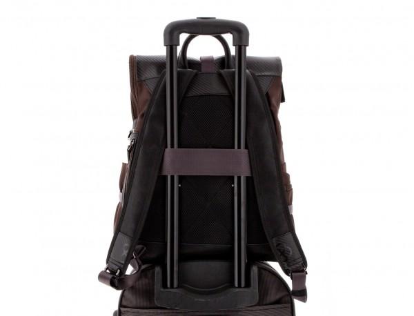 mochila con solapa marrón trolley