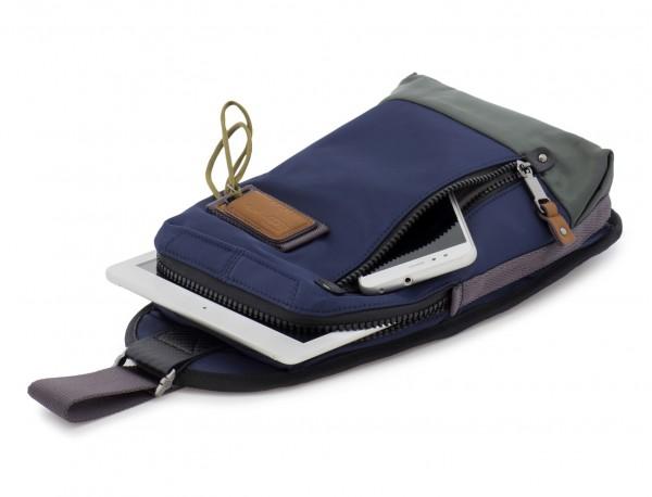 bandolera de poliéster en azul con tablet