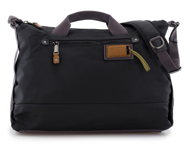 Messenger bag in black front