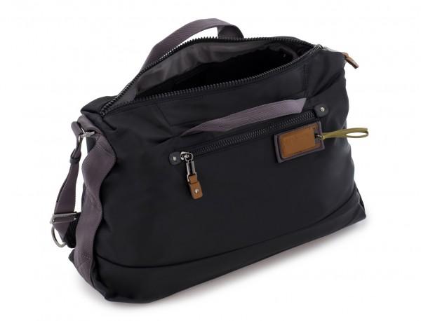 Messenger bag in black side