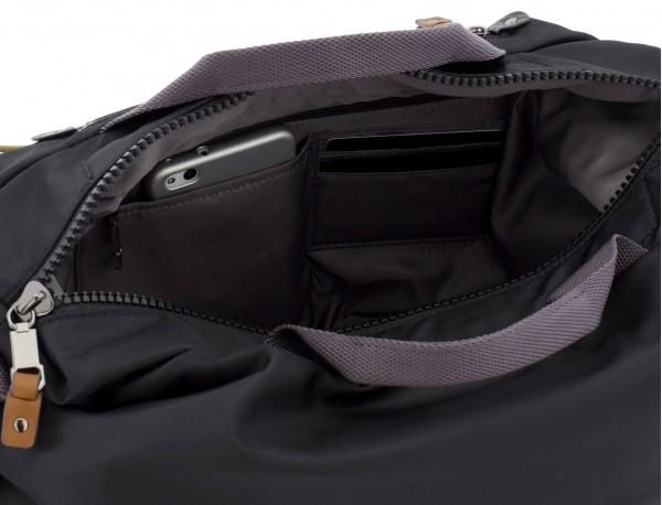 Messenger bag in black details