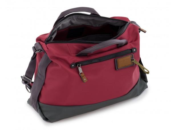 Messenger bag in red side