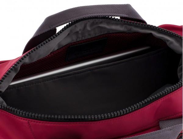 Messenger bag in red laptop