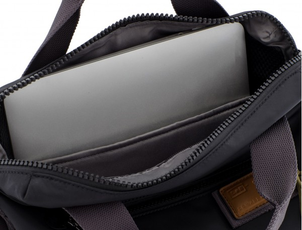 Bag convertible into backpack in black laptop