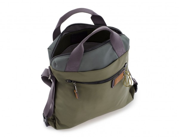 Bag convertible into backpack in green open