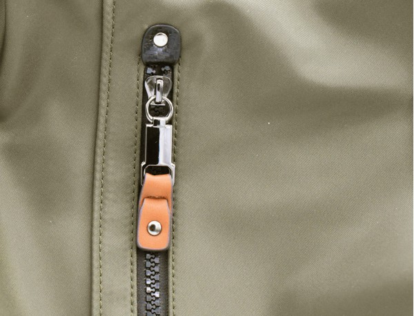 Borse versatile convertibile in zaino in verde leather