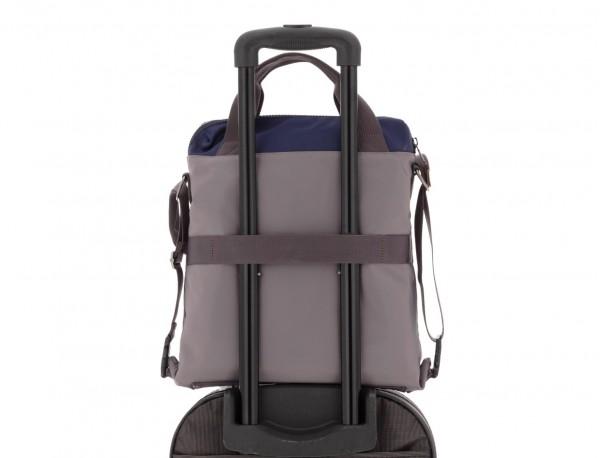 Bolso tote versátil convertible en mochila en gris trolley