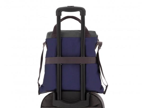 Bolso tote versátil convertible en mochila en azul trolley