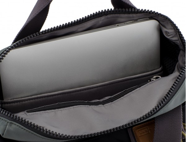 Bag convertible into backpack in black and gray laptop