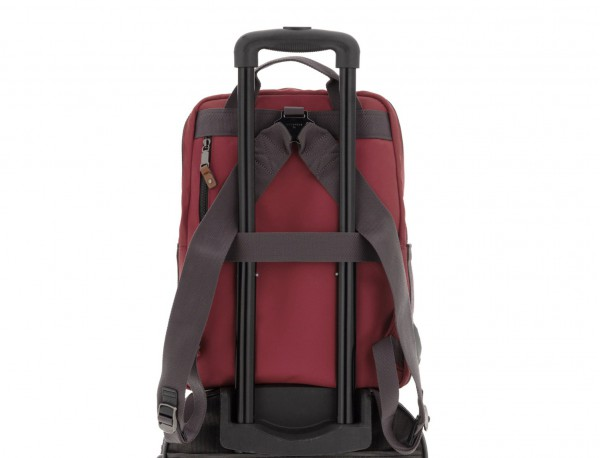 backpack in red trolley