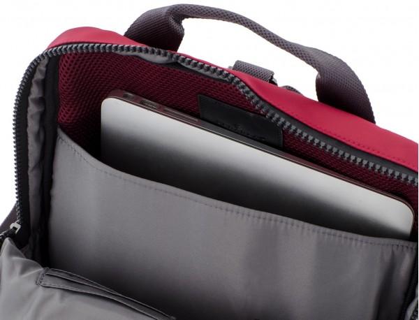 mochila roja ordenador