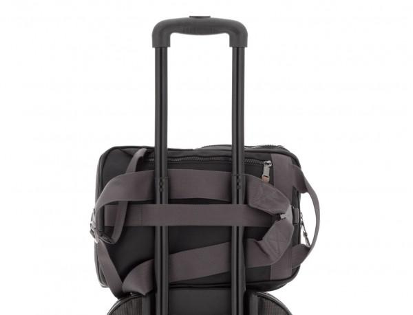 mochila pequeña en negro trolley