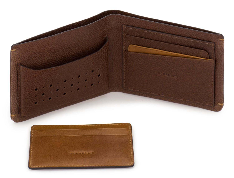 billetero de piel para tarjetas marrón abierto